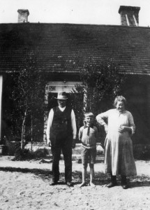 Stig with his grandparents at the farm ca 1931
